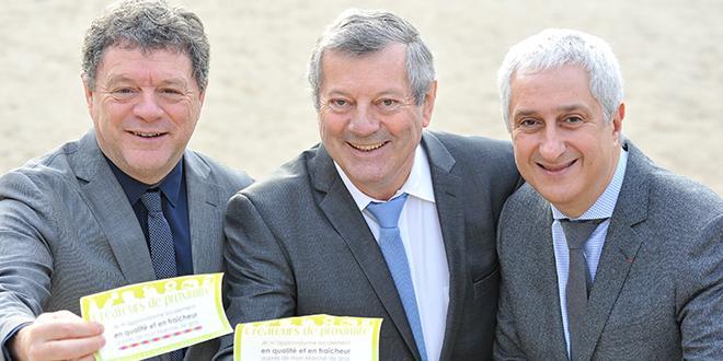 Jean-Jacques Bolzan, président de la FMGF, Roland Héguy, président confédéral de l'UMIH et Stéphane Layani, PDG du Marché international de Rungis, ont annoncé la signature du partenariat entre l'UMIH et la FMGF.