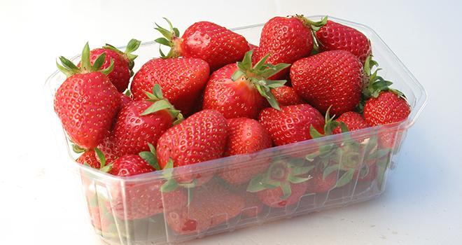 Photo : apatchi/ Adobe Stock En janvier, les magasins du Groupe Carrefour ne proposeront pas de fraises.