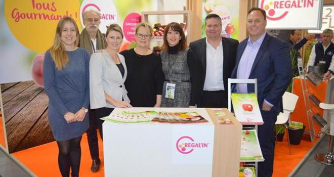 Lors du Salon Fruit Logistica, début février à Berlin, la société Agro Sélection Fruits (ASF) a signé des accords avec trois sociétés familiales australiennes. Photo : DR