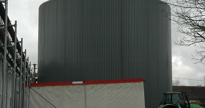 Les producteurs en serres maraîchères peuvent obtenir des financements pour l'installation d'équipements améliorant la performance énergétique.  D.Bodiou/Pixel6TM