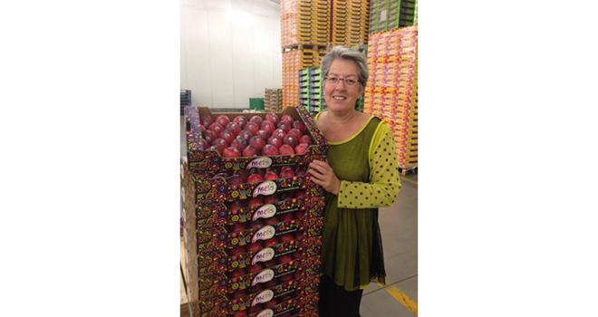 Productrice de pommes, de prunes et de raisin de table à Moissac, Françoise Roch vient d'être nommée présidente de la FNPF. Photo : DR