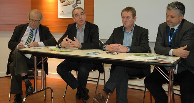 De gauche à droite, lors d'une conférence de presse au Sival : Jean-Pierre Jouët président du CPA, Daniel Sauvaitre président de l'ANPP, Luc Barbier président de la FNPF et Pierre de Lépineau, directeur d'Adivalor.