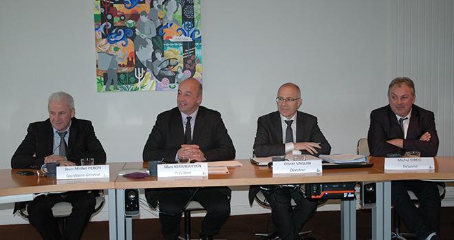 De gauche à droite : Jean-Michel Péron, secrétaire général de la Sica de St-Pol-de-Léon, Marc Keranguéven, président, Olivier Sinquin directeur et Michel Dirou, trésorier. Photo : D. Bodiou/Pixel image