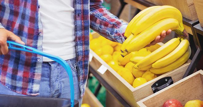L'Association interprofessionnelle de la banane doit proposer prochainement aux pouvoirs publics un accord interprofessionnel encadrant les pratiques promotionnelles dans la filière banane. Photo : Karanov images