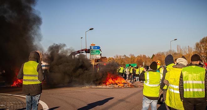 """Le mouvement des """"gilets jaunes"""" a fortement ralenti les livraisons de fruits et légumes. Photo : ljo57"""