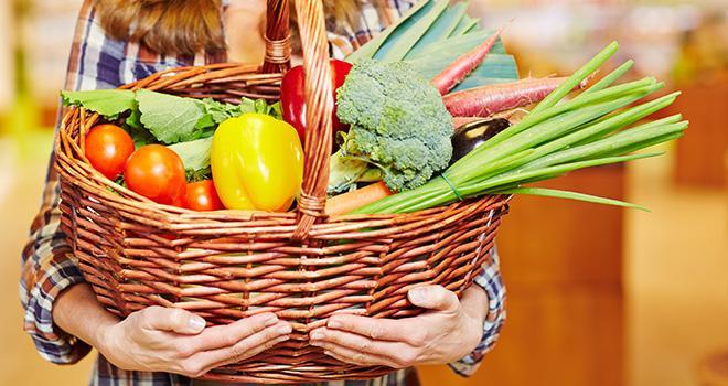 En France métropolitaine, la consommation de fruits et légumes frais est estimée à 350g par habitant et par jour.