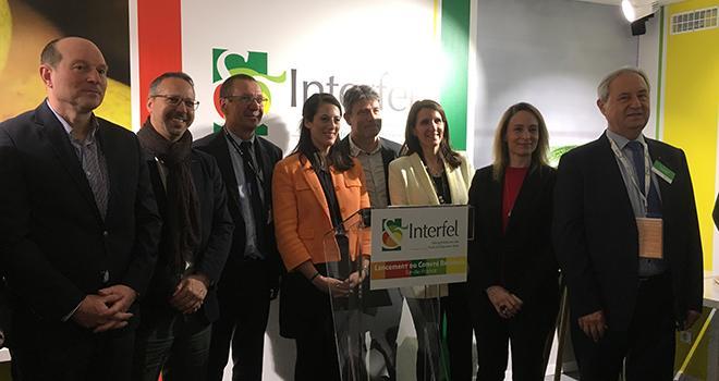 Les membres d'Interfel et du conseil régional d'Île-de-France ont fêté ensemble au Salon de l'agriculture la création du comité régional Interfel d'Île-de-France. Photo : b.bosi