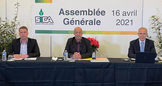 Thomas Quillevéré, secrétaire général, Marc Keranguéven, président, et Olivier Sinquin, directeur de la Sica de St-Pol-de-Léon. Photo Sica Saint-Pol-de-Léon