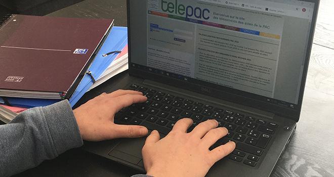 Telepac comporte des menus interactifs et des messages d'alerte à toutes les étapes pour éviter les erreurs de déclaration. Photo : A.Bressolier/Pixel6TM