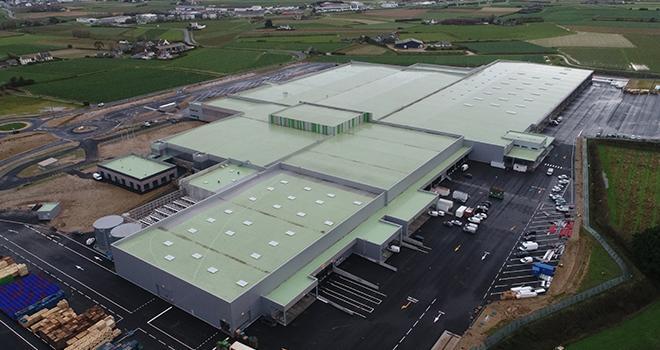 Construite à Saint-Pol-de-Léon (29) sur un terrain de 18 ha, la nouvelle station de conditionnement et d'expédition « Vilar Gren » de la Sica est désormais opérationnelle. Photo : Armel Istin