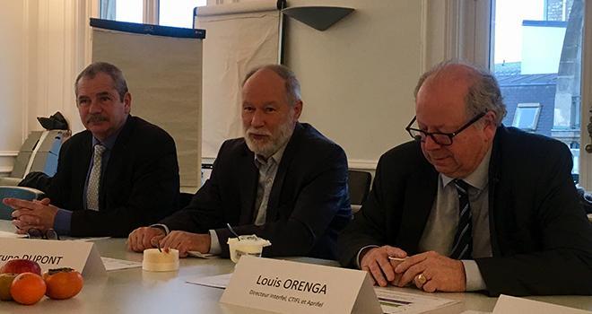 Jacques Rouchaussé, président du CTIFL, Bruno Dupont, président d'Interfel, et Louis Orenga, directeur Interfel-CTIFL-Aprifel. Photo : b.bosi/Pixel Image