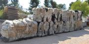 Les filets paragrêle collectés par Adivalor sont acheminés chez MP Industries qui recycle le polyéthylène en fabriquant du mobilier urbain.
