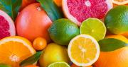 Sur la période 2010-2019, 12 % des publications scientifiques mondiales du corpus fruits concernaient le groupe des Citrus. Maresol/Adobe stock
