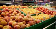 Pour la FNPFruits et l'AOP Pêches et Abricots de France, la communication faite par les distributeurs pour soutenir la production française doit se confirmer dans la réalité des faits. Photo Kondor83/Adobe stock
