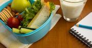 Interfel souhaite que les fonds résiduels non consommés par la France du programme « Fruits et légumes, et lait à l'école » soient réaffectés aux familles défavorisées. Photo : Liudmyla/Adobe stock