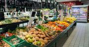 Avec cette nouvelle charte, les enseignes de la grande distribution s'engagent à mettre en avant les fruits et légumes de saison. Photo : Lophie/Adobe Stock