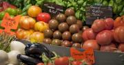 La tomate ronde et la tomate grappe font partie des produits dont les volumes et les prix vont être régulièrement étudiés. CP : Pictures news/Adobe Stock