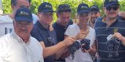 René Reynard, président de l'AOP muscat du Ventoux et de l'AOP nationale raisin de table, pose avec plusieurs chefs dont Éric Briffard, meilleur ouvrier de France, de l'école Le Cordon Bleu ; Alain Pegouret du restaurant Laurent, et Amandine Chaignot du Rosewood Londres. © AOP raisin de table