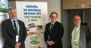 """Pierre de Lépinau (Adivalor), Bernard Le Moine (CPA) et Paul Cammal (CIPA) ont annoncé ensemble la création de la filière de recyclage """"gaines souples d'irrigation"""". Photo : B.Bosi/Pixel Image"""