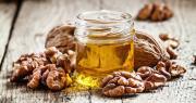 Après l'obtention d'une AOC en noix fraîche, en noix sèche et en cerneau, c'est désormais l'huile de noix du Périgord qui obtient son AOC. Photo : 5ph/fotolia