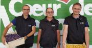 À gauche Alexandre Cancel, codirigeant de Cancel Fruits; au centre Frédéric Granet, président de la coopérative Prayssica et de la SA Bel Air; à droite Franck Van de Wiele, directeur général de Bel Air. Photo : Cancel Fruits