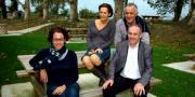 En bas, Nathalie Gilles-Zenon, responsable opérationnelle de l'Autr'Ecole, et Pierre Gaillard, directeur Fruits et Légumes d'Aquitaine. En haut Anne Beauvillard, présidente de l'Autr'Ecole et Jean-Michel Ruchaud, président Fruits et Légumes. Ph : S.Si.