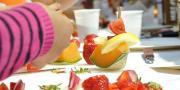 Retrouver l'envie de cuisiner en famille, grâce à des conseils, des astuces et des recettes qui permettent de concilier plaisir et convivialité autour de la table.