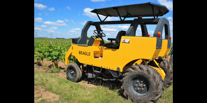 Développé à la base en maraîchage, le Beagle est un enjambeur électrique conçu par l'entreprise Saudel. Photo : O.Lévêque/Pixel6TM